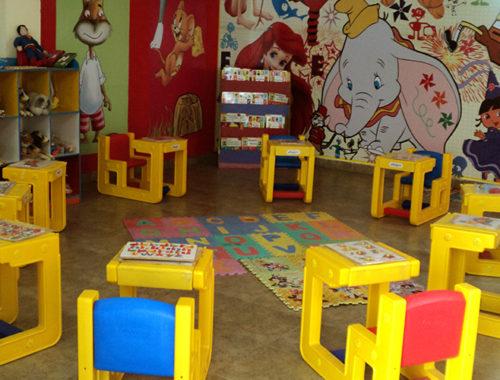 Sala de aula de uma escolinha infantil.