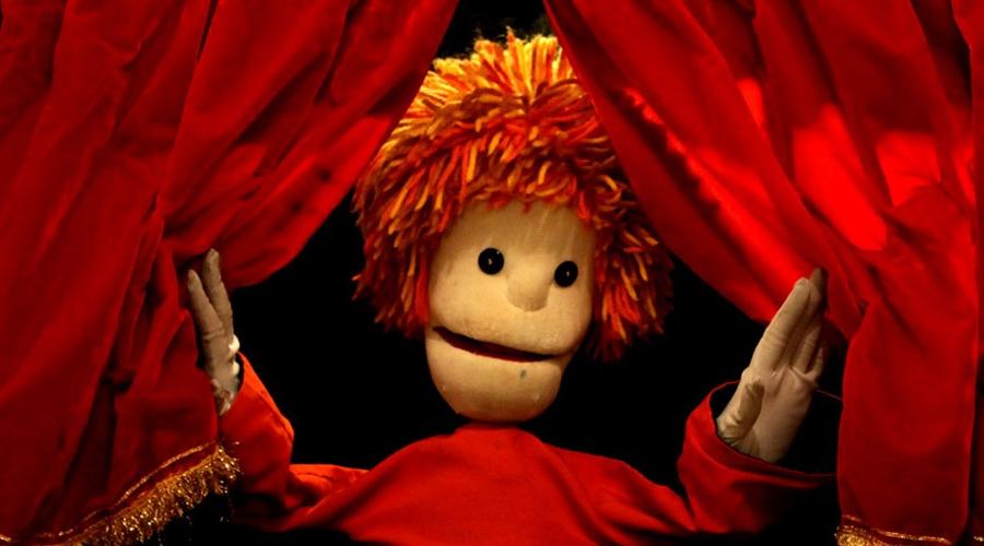 Imagem de um boneco de fantoche.